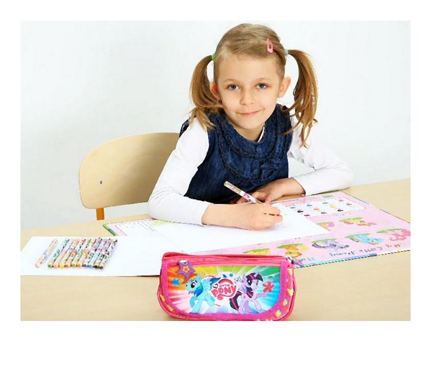 dziewczynka rysowanie-004-2014-07-14 _ 05_08_24-80